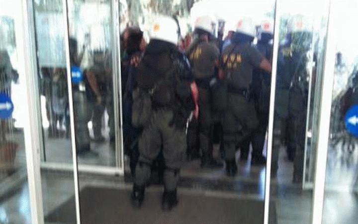 Η ΠΟΕΔΗΝ καταγγέλλει την εισβολή των ΜΑΤ στο Νοσοκομείο ΠΑΝΑΓΙΑ Θεσσαλονίκης