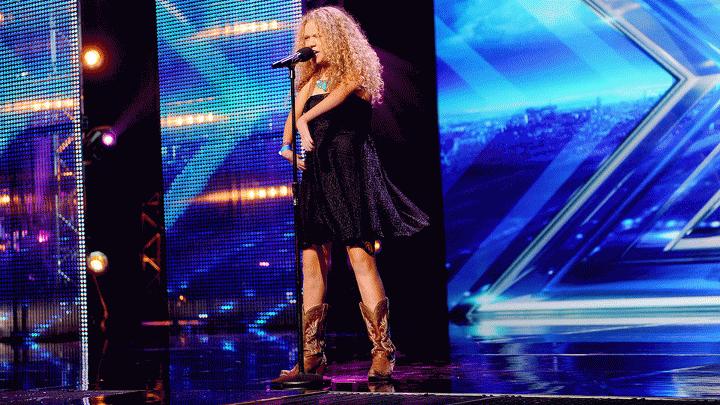 13χρονη με σοβαρά προβλήματα υγείας καταπλήσσει στο «X Factor USA»