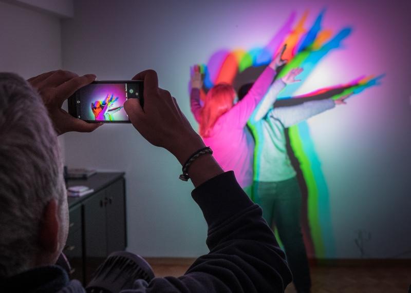 """Συμμετοχική φωτογράφιση """"Χρώμα και Φως"""" στα εργαστήρια Θεραπευτικής Φωτογραφίας του Eyes of Light"""