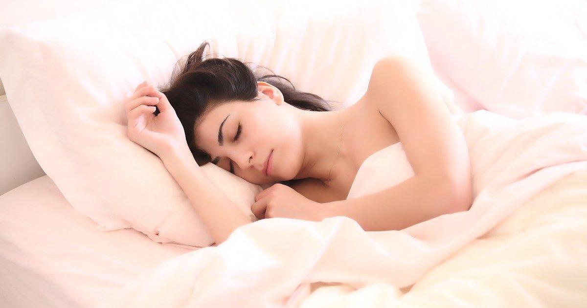 Τι συμβαίνει τη νύχτα στο δέρμα μας;