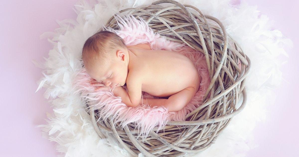 Περιστατικό Επιτυχημένης Εγκυμοσύνης Φυσιολογικά μετά από 3 Αποτυχημένες Εξωσωματικές και Προσπάθειες 7 ετών