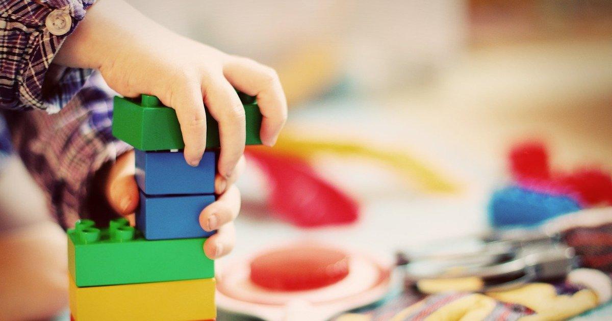 Read more about the article Γιατί να επιλέξω την παιγνιοθεραπεία για το παιδί μου;